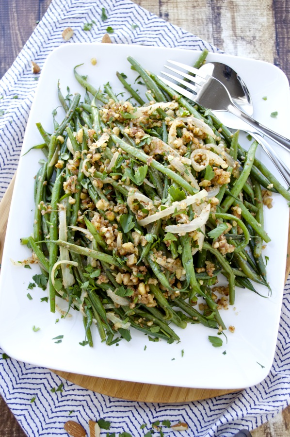 Green Beans with Onions and Almonds