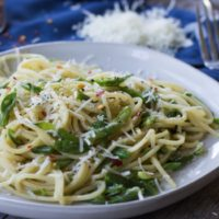 5 Ingredient Garlicky Green Bean Pasta